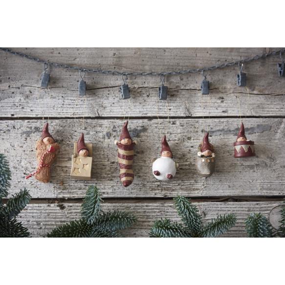 Juleophæng: små nisser
