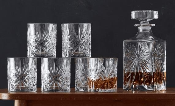 Whiskykaraffel og glas i krystal