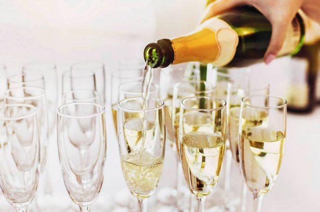 Champagne- og boblesmagning hos Bichel Vine