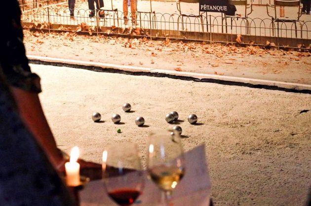 Vin og petanque