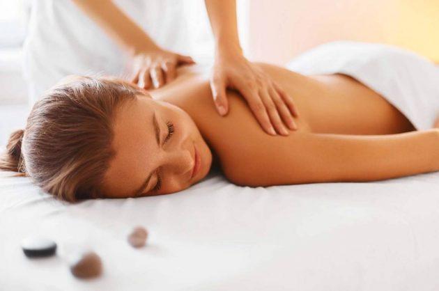 Ansigtsbehandling og massage hos Complete Me