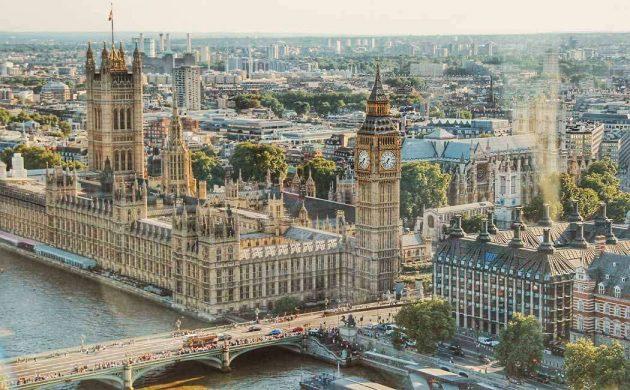Flot udsigt udover storbyen London