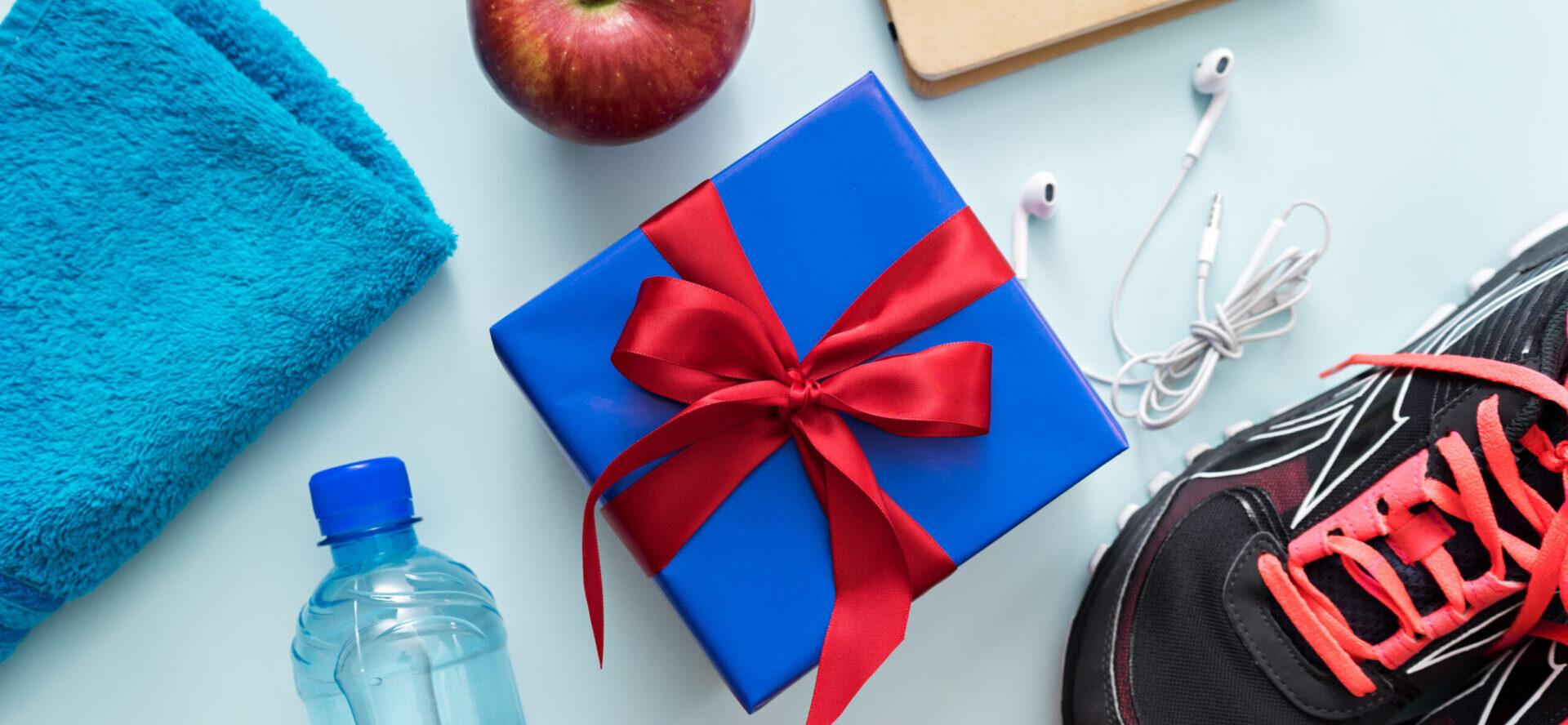 blå gave med fitness udstyr